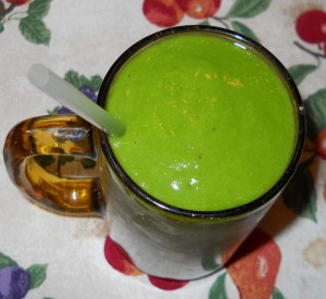 Smoothie with Banana Cantaloupe and Kale