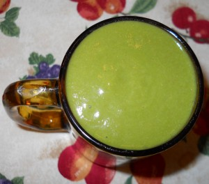 Green Smoothie with Apple Banana Collard Greens and Peaches